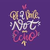 Sea un eco de la voz no Letras dibujadas mano del vector ejemplo del vector aislado en el fondo violeta ilustración del vector
