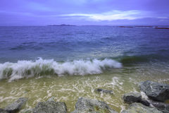 Sea wave and blue sky Royalty Free Stock Photography
