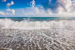Sea ​​wave on the coast Royalty Free Stock Images