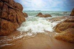 Sea waves crashing against the rocks, Koh Samui Royalty Free Stock Images
