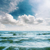 Sea with waves and dramatic sky Royalty Free Stock Photography