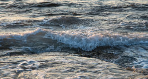 Sea waves late in the evening Royalty Free Stock Photos