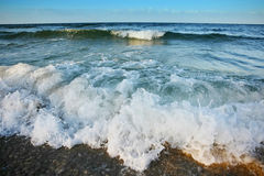 Sea waves on shore Royalty Free Stock Photography