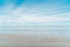 Sea and white cloudy with blue sky Stock Photography