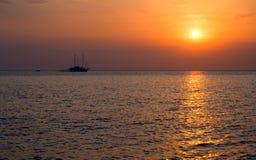 Sea.Yacht. Coucher du soleil. Photos libres de droits