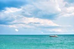Sea yacht horizon Royalty Free Stock Image