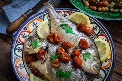 Seabass caseiro com salsa Foto de Stock Royalty Free
