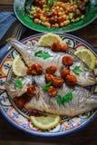 Seabass caseiro com salsa Fotografia de Stock Royalty Free