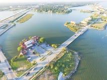 Seabrook市鸟瞰图在得克萨斯墨西哥湾海岸和清楚的Lak附近的 免版税库存照片