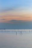 Seacoast ορίζοντας κατά τη διάρκεια του λυκόφατος Στοκ φωτογραφία με δικαίωμα ελεύθερης χρήσης