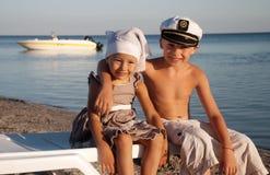 seacoast пар счастливый стоковые фотографии rf