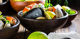 Seafood clams crabs mussela soup. Mariscal Stock Photography