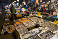 Seafood and people at Noryangjin Fish Market in Seoul Stock Photos