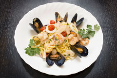 Free Seafood With Pasta Royalty Free Stock Images - 35213489