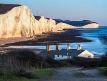 SEAFORD, SUSSEX/UK - 11月28日:在Se的老海岸警备队村庄 免版税库存图片