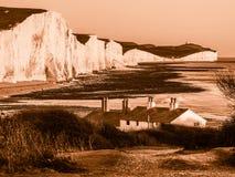 SEAFORD SUSSEX/UK - NOVEMBER 28: Gamla Coastguardstugor på Se Royaltyfria Foton