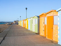 SEAFORD SUSSEX/UK - NOVEMBER 28: Sikt av strandkojor på Seaford Fotografering för Bildbyråer