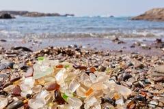 Seaglass på havkusten Fort Bragg Kalifornien CA Arkivbild