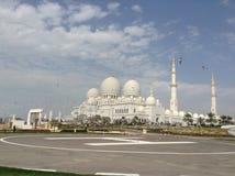 Seagulls V S storslagen zayed moskésheikh Arkivfoto