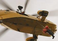 Seaking直升机,军事在机场搜寻并且抢救 库存照片