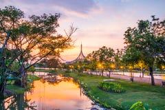 Señal crepuscular del pabellón del parque público de Suan Luang Rama IX, Bangkok Fotografía de archivo