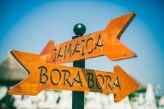 Señal de dirección de Jamaica y de Bora Bora Fotografía de archivo libre de regalías