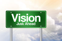 Señal de tráfico del verde de Vision apenas a continuación Foto de archivo libre de regalías