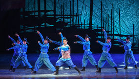 """Seaman Dance Troupe-Dance drama """"The Dream of Maritime Silk Road"""". Dance drama """"The Dream of Maritime Silk Road"""" centers on the plot of two stock photos"""