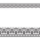 Seamles-Grenzmusterelemente mit Blumen und Spitzelinien in indischer mehndi Art lokalisiert auf weißem Hintergrund Stockfotos