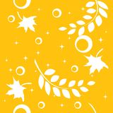 Seamless autumnal pattern with leaves Royalty Free Stock Photos