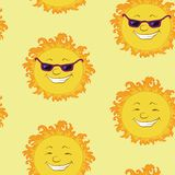 Seamless background, smiling cartoon sun Royalty Free Stock Images