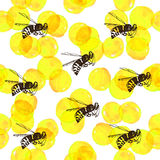 Seamless background with yellow watercolor circles and bees Stock Photography