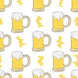 Seamless beer with foam Royalty Free Stock Photos