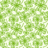 Seamless clovers pattern Royalty Free Stock Images