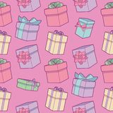 Seamless colorful cartoon birthday pattern with wrapped gift boxes with ribbons on pink background stock illustration