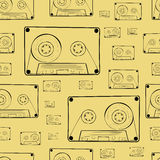 Seamless contours of audio cassettes Royalty Free Stock Photos