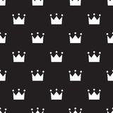 Seamless crown sign pattern on black Royalty Free Stock Photos