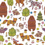 Seamless doodle pattern with forest animals and birds Royalty Free Stock Photography
