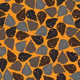 Seamless dry leaves autumn pattern background  Royalty Free Stock Photography