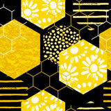 Seamless geometric pattern with honeycomb. Trendy hand drawn textures. Royalty Free Stock Photography