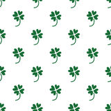 Seamless green clover pattern on white Royalty Free Stock Photography