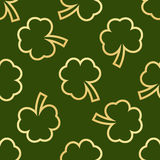 Seamless green shamrocks Royalty Free Stock Images
