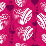 Seamless mönstra med randiga hjärtor Royaltyfri Illustrationer