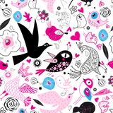 Seamless multi-colored pattern of enamored birds Royalty Free Stock Photos