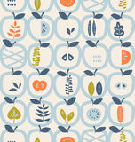 Seamless pattern with apples and leaves Royalty Free Stock Photos