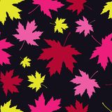 Seamless pattern with autumn maple leaves. Flat design. Textile rapport Stock Illustration