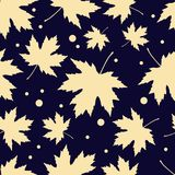 Seamless pattern with autumn maple leaves. Flat design. Textile rapport Royalty Free Illustration