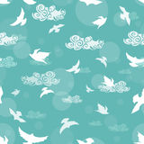 Seamless pattern of birds in the sky Royalty Free Stock Photos