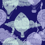 Seamless pattern with clouds and hot air ballons Royalty Free Stock Photography