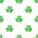 Seamless pattern of clover on St. Patrick's Day Royalty Free Stock Photos